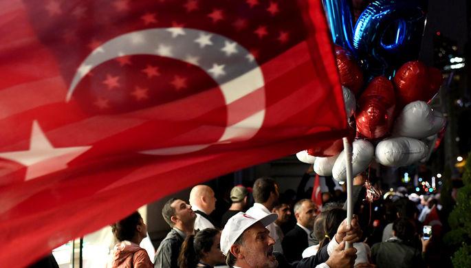 Турция сняла ограничения на выдачу виз в США
