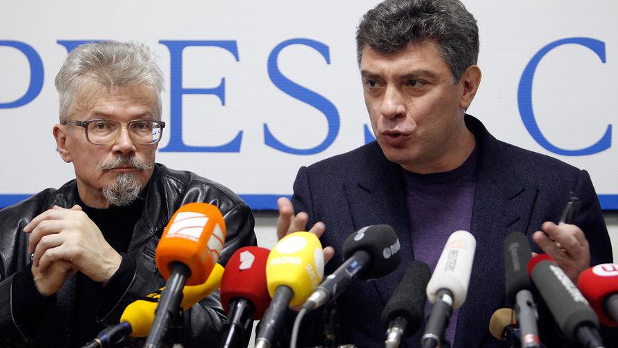 Эдуард Лимонов и Борис Немцов во время пресс-конференции в Москве, 2011 год
