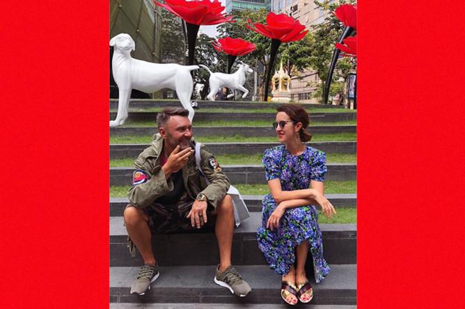 Лидер группы «Ленинград» Сергей Шнуров с супругой Матильдой, фотография из ее инстаграма