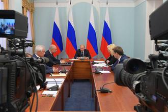 Владимир Путин проводит совещание по социально-экономическим вопросам, 28 августа 2018 года