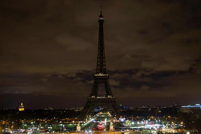 Эйфелева башня закрылась из-за забастовки