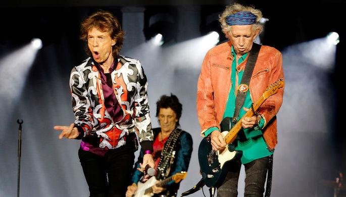 Участники The Rolling Stones Мик Джаггер, Кит Ричардс и Рон Вуд во время концерта во французском Марселе, 2018 год
