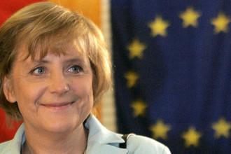 Лидер партии «Христианско-демократический союз Германии» Ангела Меркель на избирательном участке в Берлине во время парламентских выборов в ФРГ, 2005 год
