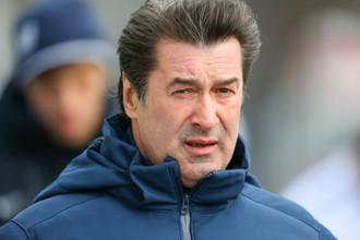 Анатолий Давыдов собирается загримироваться, чтобы попасть на «Петровский» в понедельник