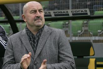 Станислава Черчесова ждут в «Амкаре»