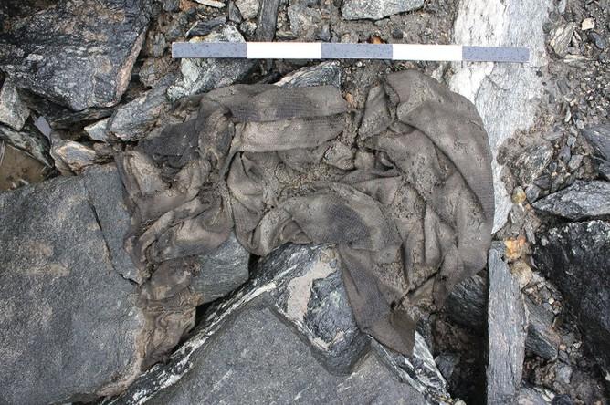 Лендбринская туника при обнаружении археологами