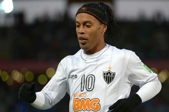 Бразилец Роналдиньо на закате карьеры футбольной занялся карьерой вокальной