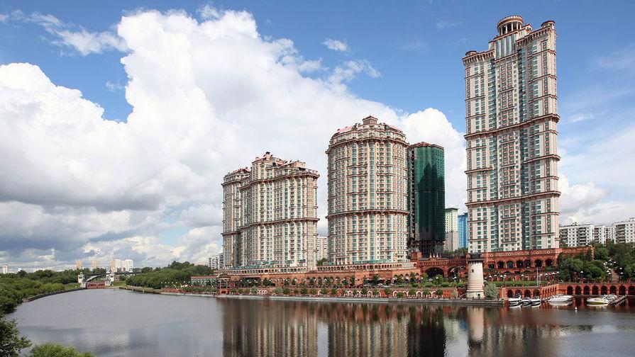 Жилой комплекс «Алые паруса» на улице Авиационной в Москве