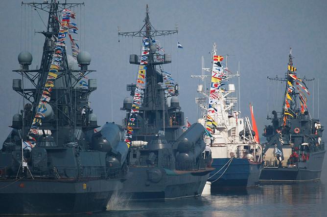 Корабли Балтийского флота участвуют в репетиции военно-морского парада ко Дню ВМФ в Балтийске