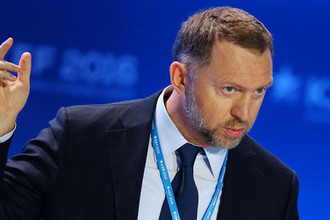 Олег Дерипаска во время экономического форума в Красноярске, 2016 год