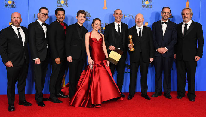 Актеры и съемочная группа сериала «Американцы» на 76-й церемонии вручения американской кинопремии «Золотой глобус» в Лос-Анджелесе, 7 января 2019 года