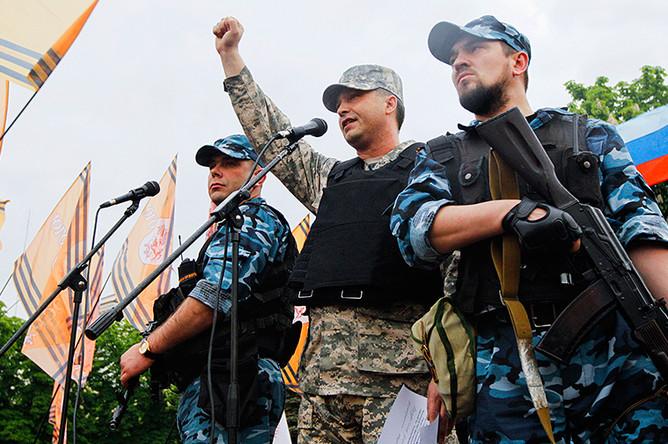 Глава самопровозглашенной ЛНР на митинге в Луганске, 12 мая 2014 года