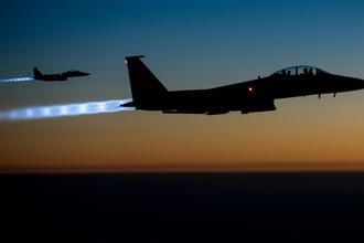 Американские истребители F-15E Eagle во время полета над Ираком, 2014 год