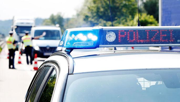 В Германии 18-летний юноша сумел потерять водительские права через 49 минут после того, как их получил.