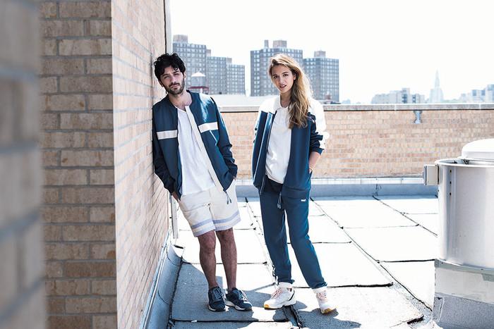 Модный тренд  с чем носить спортивную одежду тем, кто идет на ... 1952cf7489b