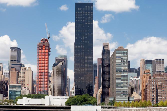 Башня Trump World (в центре фото), Манхэттен