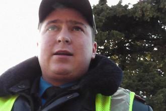 По неподтвержденным данным очевидцев аварии, участником ДТП стал сотрудник ГИБДД по фамилии Росик. Кадр из видео «Гаи Ялта. Сержант Росик не знает о законах», размещенном на сервисе YouTube в 2012 году