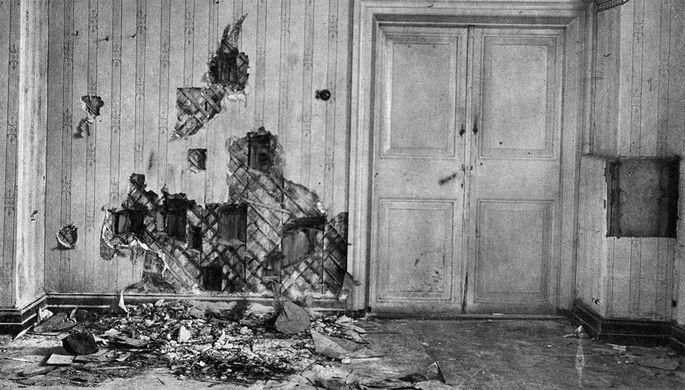 Подвал дома Ипатьева в Екатеринбурге, где была расстреляна царская семья, 1918 год