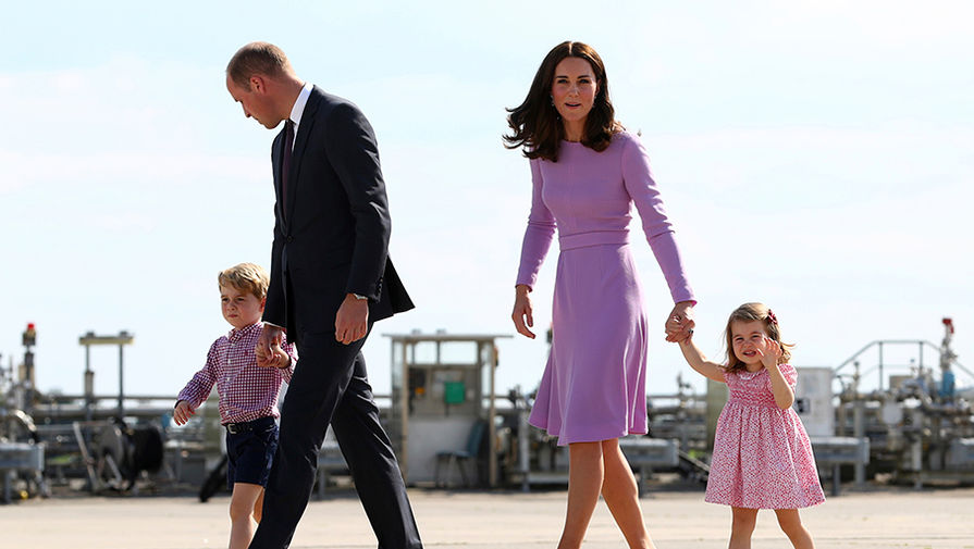 Принц Уильям полетел с семьей в Шотландию в эконом-классе