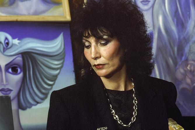 Целительница Джуна, 1989