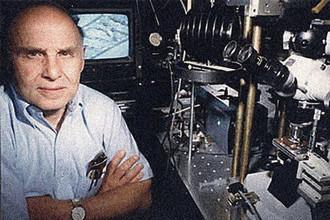 Американский ученый Артур Эшкин