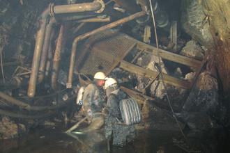 Поисково-спасательные работы на руднике «Мир» группы компаний АЛРОСА после затопления шахты, 14 августа 2017 года