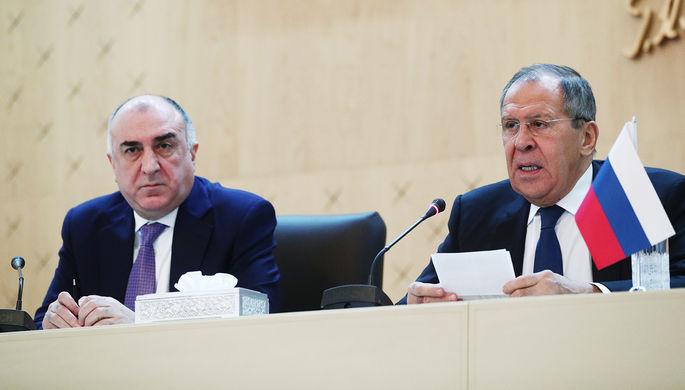 Министр иностранных дел Азербайджана Эльмар Мамедъяров и министр иностранных дел России Сергей Лавров во время пресс-конференции в Баку, 3 декабря 2019 года