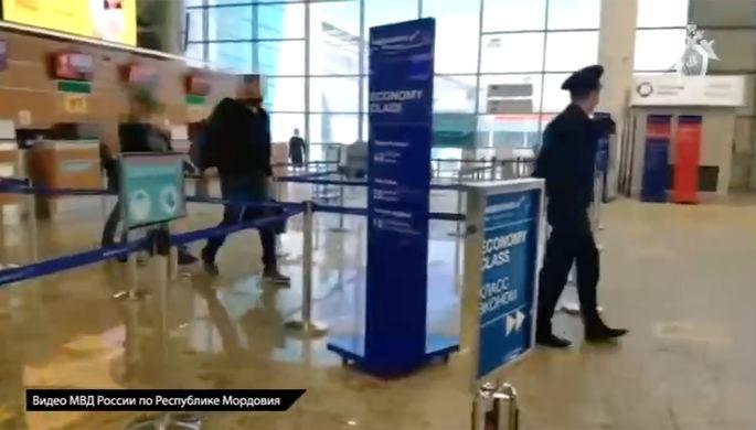 Алексей Меркушкин во время задержания в аэропорту Шереметьево