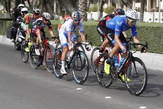 Гонщик «Газпром Русвело» в отрыве на втором этапе «Тура Абу-Даби»