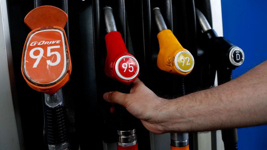 Россияне назвали виновников роста цен на бензин