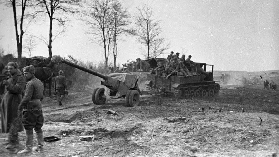Артиллерия 4-ой гвардейской армии сосредотачивается в районе озера Балатон. Великая Отечественная война 1941-1945 годов