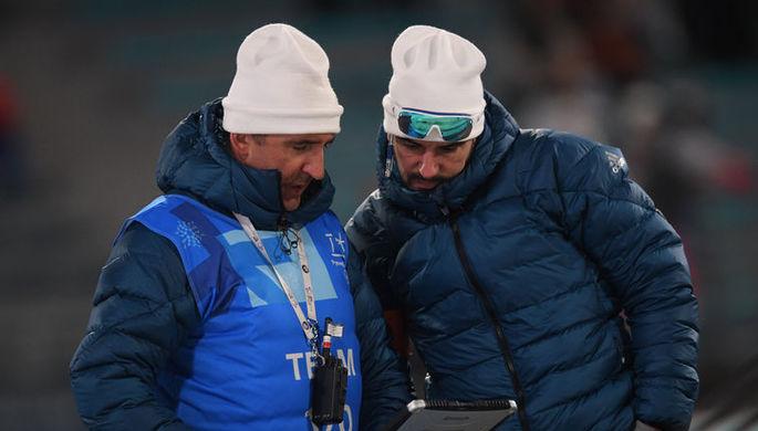 Старшие тренеры мужской и женской сборных России по биатлону Рикко Гросс (справа) и Николай Загурский в понедельник могут лишиться своих должностей