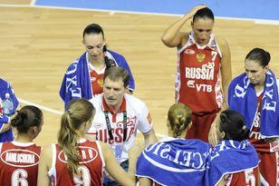 Борис Соколовский умеет находить общий язык с баскетболистками