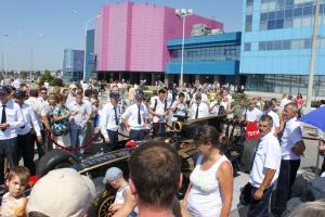 Болид «Формулы-1» на территории АВТОВАЗа