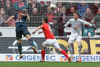Гол Бастиана Швайнштайгера едва не стал чемпионским для «Баварии»