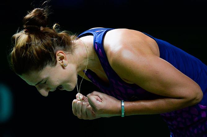 Ирина-Камелия Бегу (Румыния) радуется победе в полуфинальном матче женского одиночного разряда Кубка Кремля — 2014 против Люси Шафаржовой (Чехия)