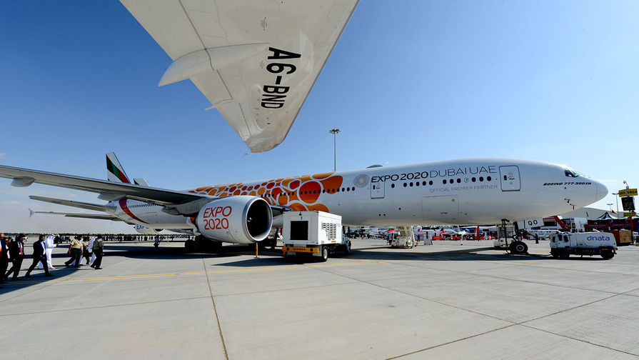 Дальнемагистральный широкофюзеляжный самолет Boeing 777-300ER