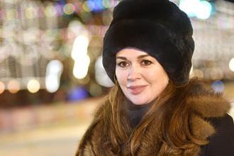 Актриса Анастасия Заворотнюк на открытии катка на Красной площади в Москве, ноябрь 2018 года