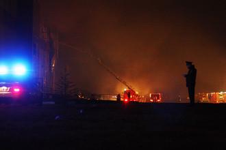 Последствия пожара на рынке «Синдика» на 65 км МКАД, 8 октября 2017 года