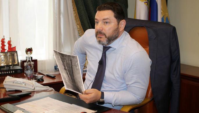«Врачи борются за его жизнь»: мэр Кисловодска упал с электросамоката