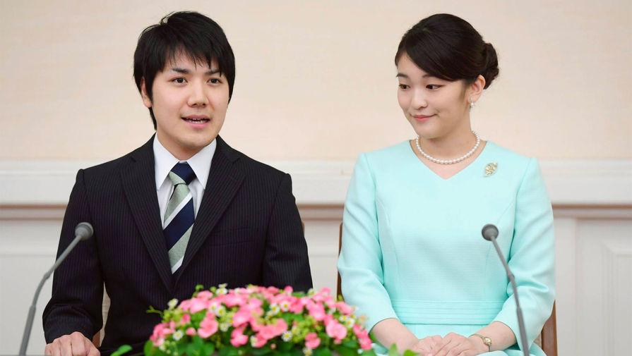 Жених японской принцессы приедет в страну после многолетних финансовых разбирательств