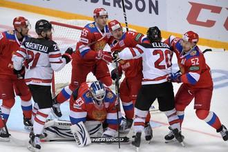 Потасовка между игроками сборных России и Канады в матче Кубка Первого канала