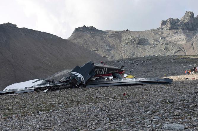 Обломки самолета «Юнкерс» Ju-52 HB-HOT на месте крушения