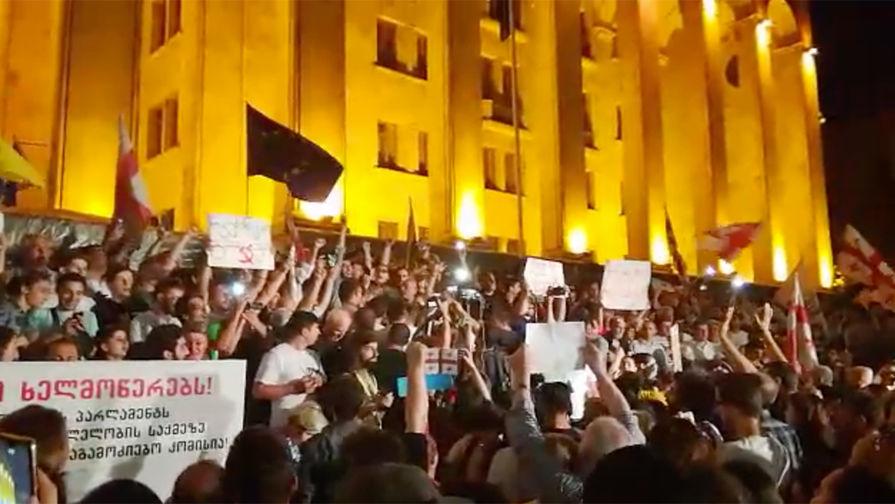 Саакашвили сделал заявление после штурма парламента Грузии