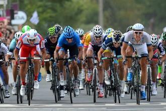 На первом этапе «Тур де Франс» гонщик российской команды «Катюша» — Александр Кристофф лишь пол-корпуса уступил немцу Марселю Киттелю из «Argos»