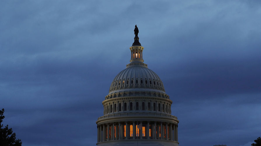 Госдолг США достигнет 144% ВВП, заявили в конгрессе