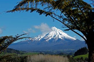 Вулкан Таранаки на западе Северного острова Новой Зеландии, 2011 год