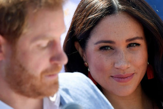 Не отпускают: почему британцы не отстанут от Меган и Гарри