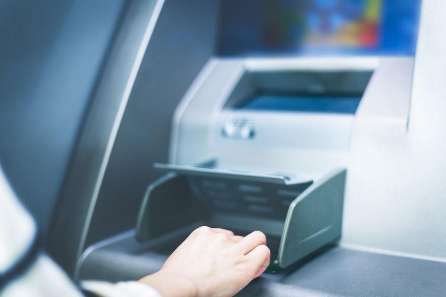 Эксперт дал советы РЅР°СЃР»СѓС‡Р°Р№, если банкомат РЅРµ вернет карту