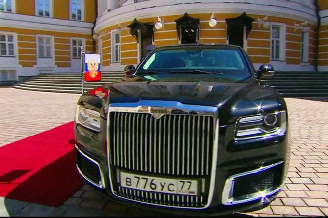 Новый лимузин проекта «Кортеж» во время инаугурации президента России Владимира Путина в Кремле, 7 мая 2018 года